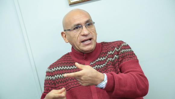 """""""Creo que los tres estamos cediendo en parte y el dictamen de la Comisión de Economía tiene estas disposiciones"""", dijo Waldo Mendoza. (Foto: GEC)"""