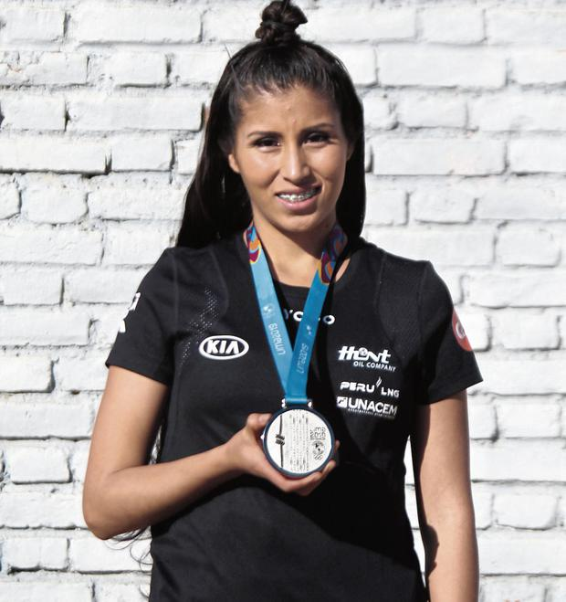 Kimberly and her silver medal at the Lima 2019 Pan American Games (Photo: GEC)