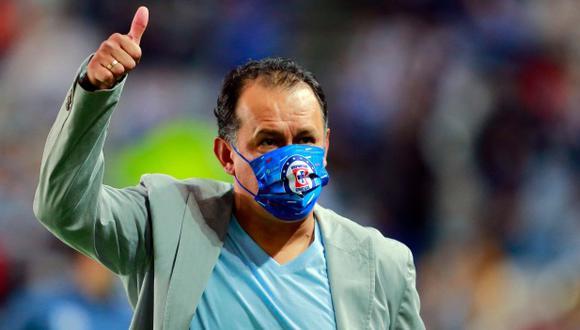 Juan Reynoso renovará contrato con Cruz Azul. (Foto: AFP)