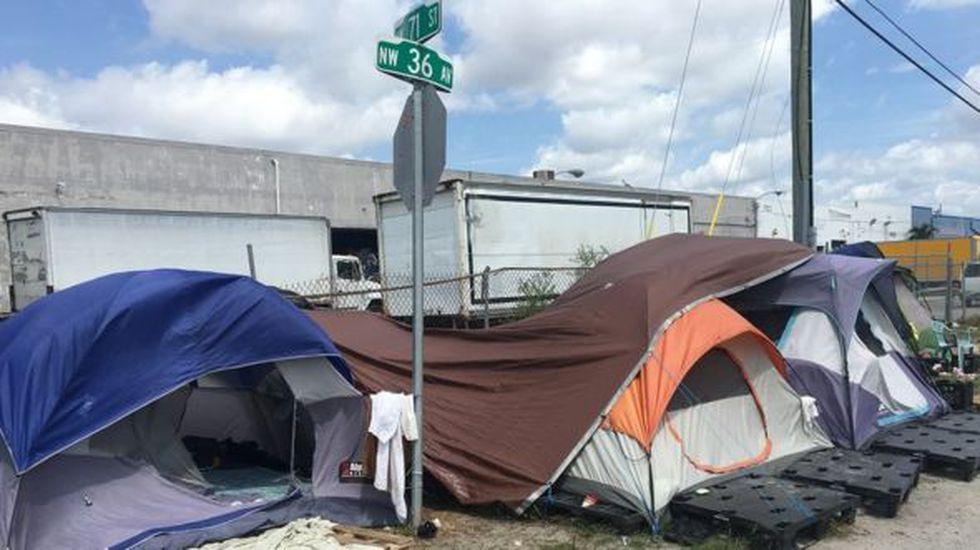 El campamento se ubica en una zona industrial a la entrada de la ciudad de Hialeah, en el norte de Miami. (Foto: BBC Mundo)