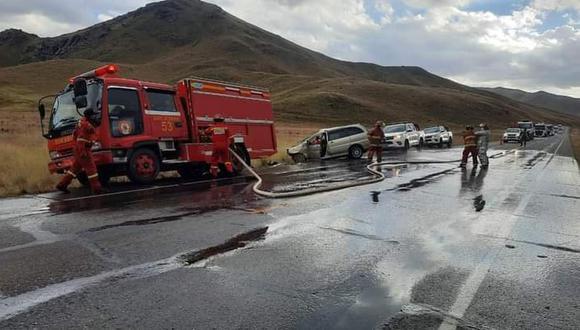 Puno: el trágico accidente dejó dos personas fallecidas en la vía Juliaca-Arequipa | Foto: Policía Nacional del Perú