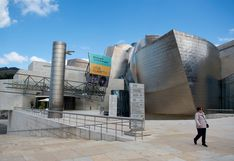 El Guggenheim se convierte en el primer gran museo en abrir sus puertas en España