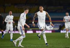 Jugador del Leeds United anotó, se levantó la camiseta y mostró mensaje para la madre de Ronaldinho