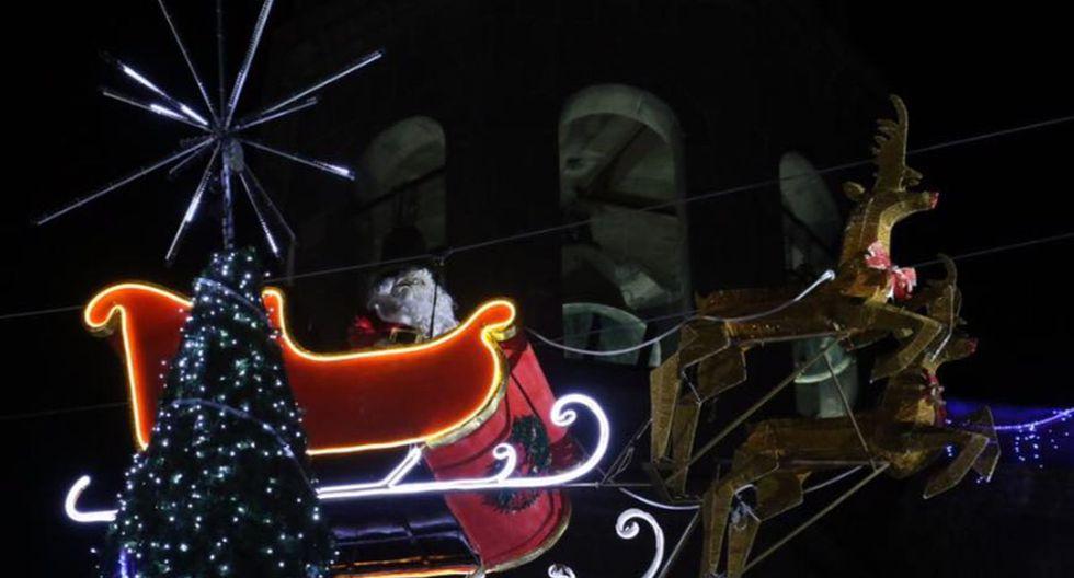 El trineo de un Papá Noel se estrelló contra un edificio durante un acto navideño en México | Foto: Facebook / Comunicación Social Apizaco