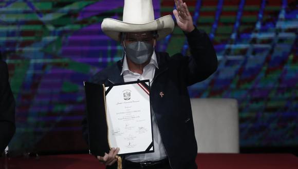Pedro Castillo Terrones recibió este viernes 23 sus credenciales como Presidente Constitucional de la República del Perú para el periodo 2021-2026. (Foto: César Campos Medina / @photo.gec)