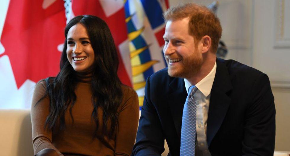 El príncipe Harry y Meghan Markle reaccionan durante su visita a la Casa de Canadá en agradecimiento por la cálida recepción canadiense y el apoyo que recibieron durante su reciente estadía en el país. (Foto: EFE)