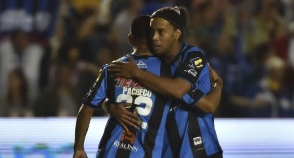 Querétaro de Ronaldinho goleó 3-0 pero Santos Laguna es campeón