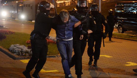 Las fuerzas del orden arrestaron a 153 personas que se sumaron a la protesta. (Foto: EFE)