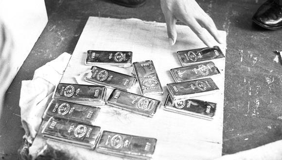 El 25 de marzo de 1971, un operativo policial encontró un paquete con 24 barras de oro en el Aeropuerto Internacional Jorge Chávez. El cargamento estaba valorizado en más de un millón de soles. (Foto: GEC Archivo Histórico)