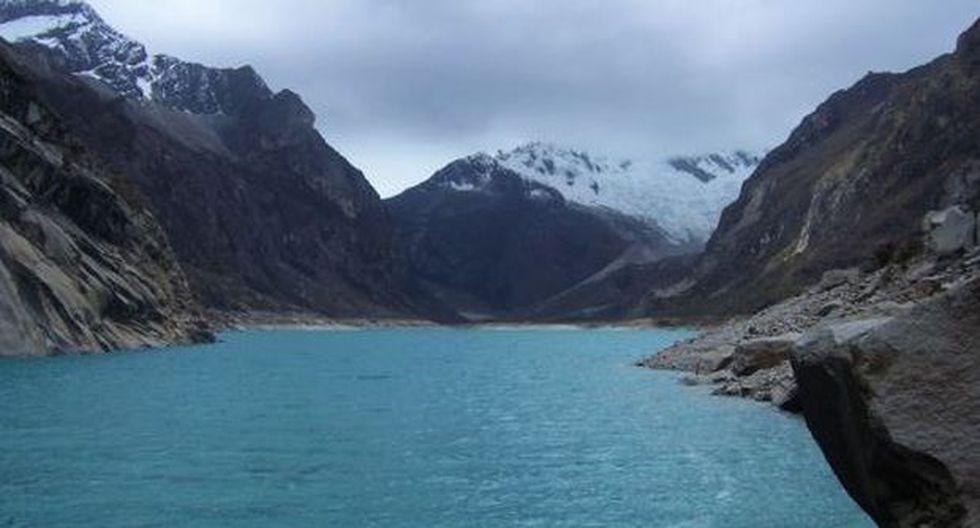 La laguna Parón en la actualidad tiene un nivel de 4,190.93 metros, por encima de la cota máxima de seguridad de 4,185 metros. (Foto: Difusión)