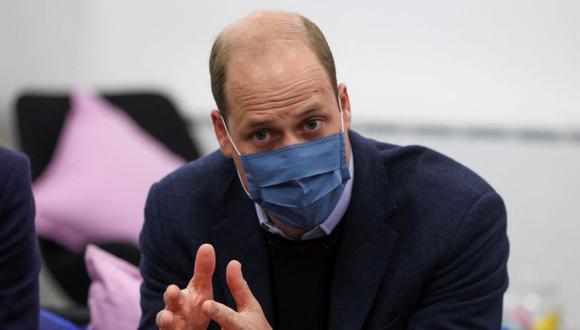El príncipe William de Gran Bretaña, duque de Cambridge, visita Base25 para conmemorar la semana de concientización sobre la salud mental en Wolverhampton. (Foto: MOLLY DARLINGTON / POOL / AFP).