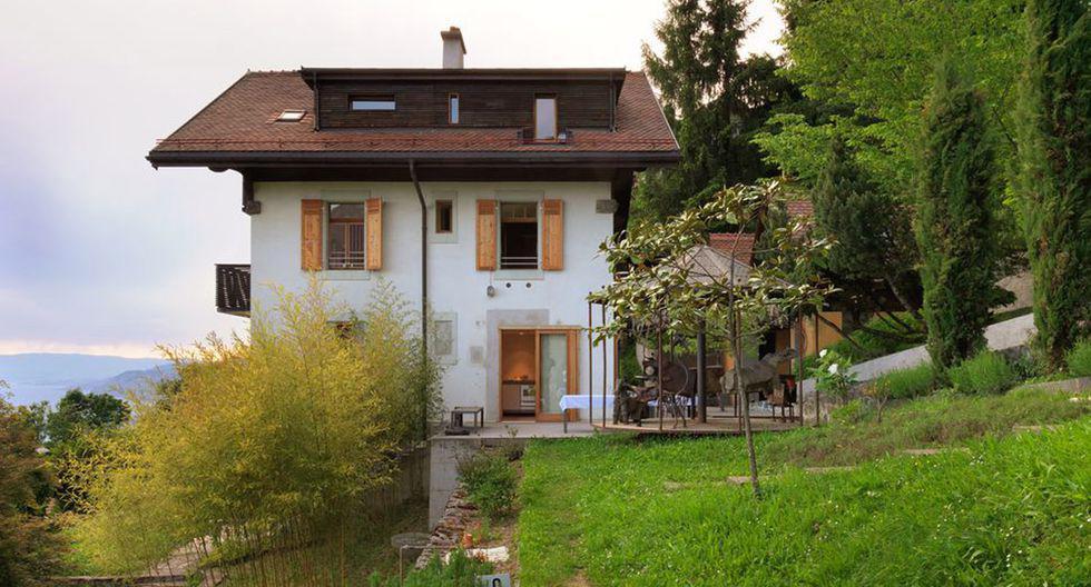 La casa se encuentra situada en la ciudad de Montreux (Suiza). Su construcción data de  1911 y tiene lugar en una zona excavada. (Foto: Lionel Henriot / ralphgermann.ch)