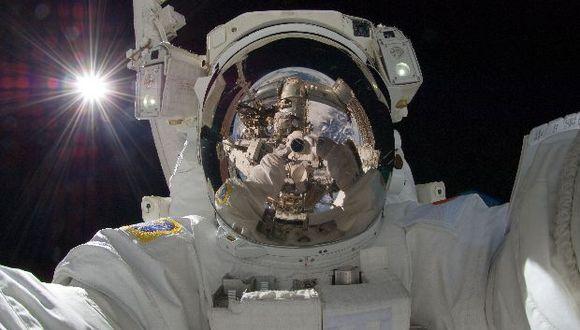 ¿Cómo sobreviven los astronautas la soledad en el espacio?