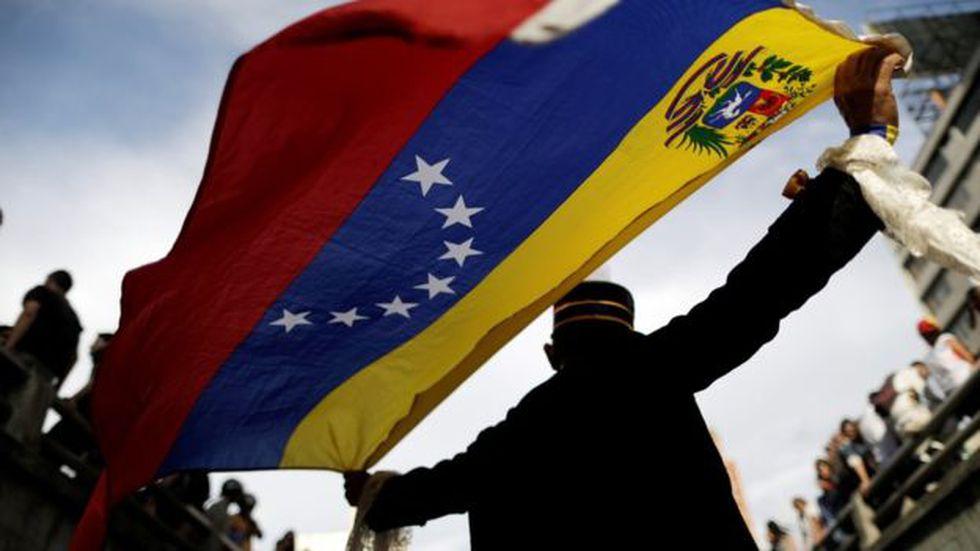 Algunos economistas críticos ven la política cambiaria de Venezuela como una de las causas de la crisis económica. (Foto: Reuters)