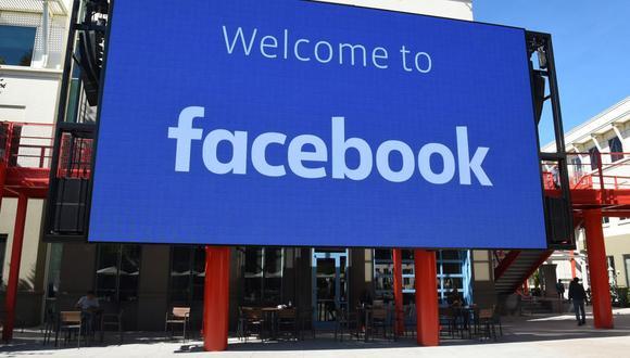 Facebook promete invertir US$1.000 millones en medios de comunicación en tres años. (Foto: Josh Edelson / AFP).