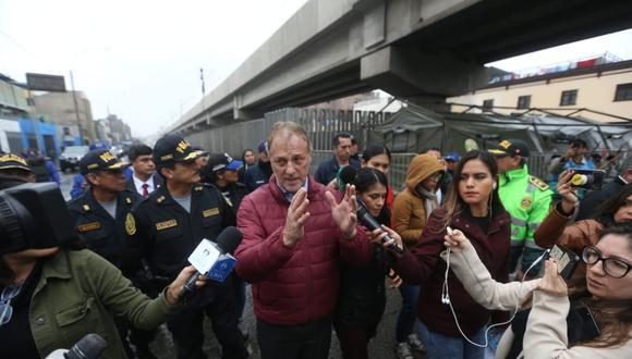 Alcalde Jorge Muñoz indicó que el miércoles sostuvo reuniones con los burgomaestres de las Mancomunidades Sur y Norte para evaluar el tema de peajes. (Foto: Violeta Ayasta)