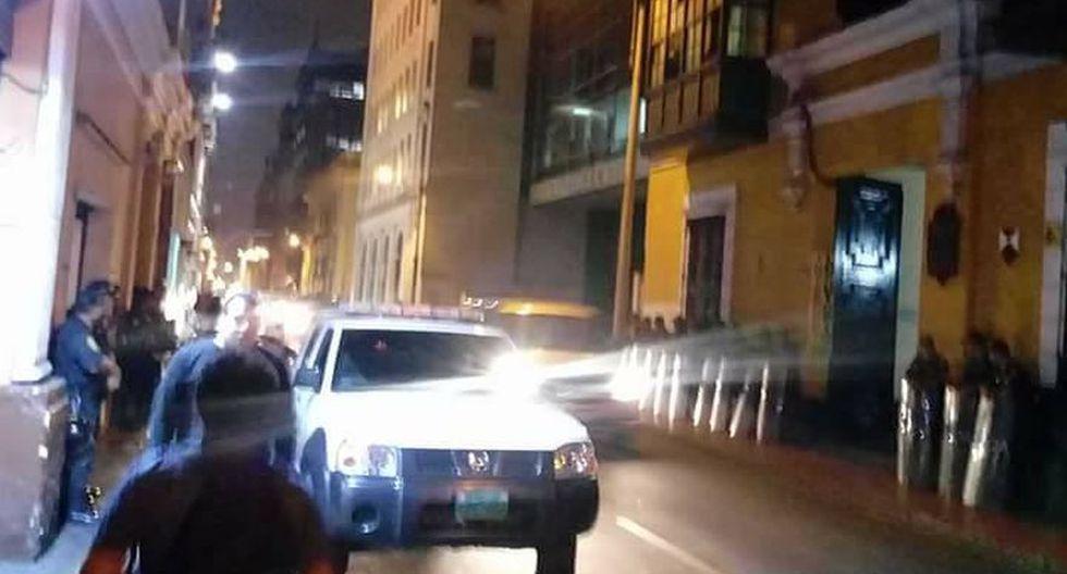 Policías se ubicaron en exteriores del local de Patria Roja - 3
