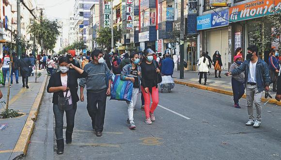 En setiembre, el Índice de Confianza del Consumidor de Lima Metropolitana (Indicca), elaborado por Apoyo Consultoría e Ipsos, se ubicó en 38 puntos en una escala de 100, lo que también marcó un leve retroceso de un punto porcentual respecto a agosto. (Foto: El Comercio)