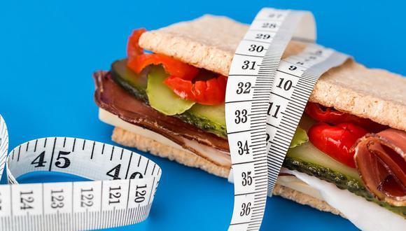 La base de una alimentación balanceada es combinar correctamente los grupos de alimentos y consumirlos en las porciones adecuadas. (Foto: Pixabay)
