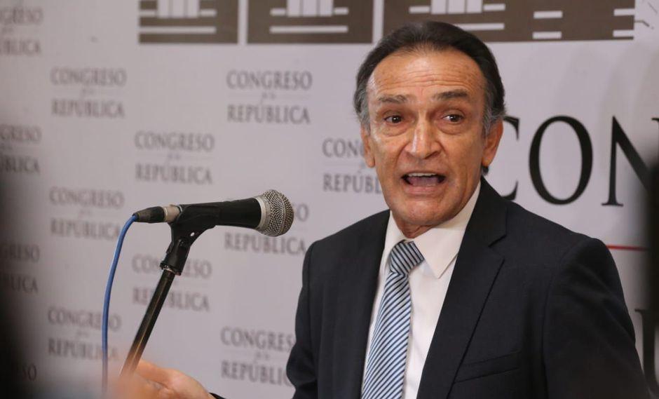 El congresista de Fuerza Popular Héctor Becerril aseguró que dará las explicaciones ante su bancada en la próxima reunión. (Foto: Congreso de la República / Video: Canal N)