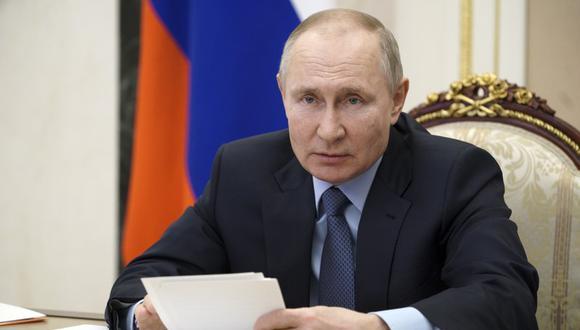El presidente ruso Vladimir Putin participa en una reunión vía video en Moscú el martes 2 de marzo del 2021. (Alexei Druzhinin, Sputnik, Kremlin Pool Foto vía AP).