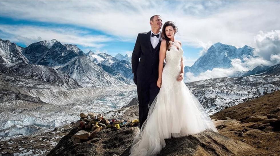 Pareja estadounidense se casa en el monte Everest - 1