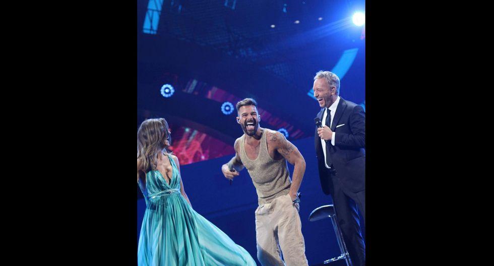 Ricky Martin y el beso que le dio a los presentadores de Viña del Mar 2020. Foto: Instagram.