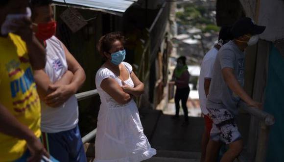El caos provocado por la pandemia de covid-19 en Guayaquil entre fines de marzo y comienzos de abril ha dejado serias secuelas en la ciudad. (BBC).