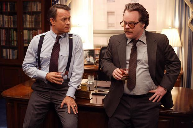 Tom Hanks and Philip Seymour Hoffman are an American politician and CIA agent trying to support guerrillas in Afghanistan during Charlie Wilson's war (2007).  (Photo: IMDB).