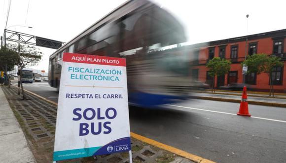 En el eje vial Tacna – Garcilaso – Arequipa la Municipalidad de Lima ha implementado el nuevo sistema de fiscalización electrónica. (Foto: Alessandro Currarino)