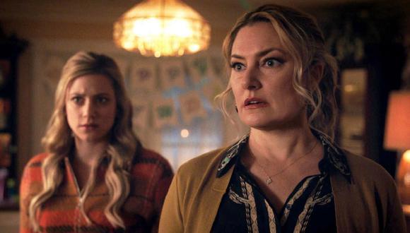 """En el nuevo episodio de """"Riverdale"""", Charles y Chic escaparon de prisión y llegaron a casa de Betty (Foto: The CW)"""