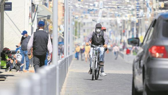 Arequipa: El gerente de Centro Histórico de la municipalidad provincial de Arequipa (MPA), William Palomino, informó que se implementarán dos ciclovías temporales que podrían convertirse en definitivas. (foto referencial)