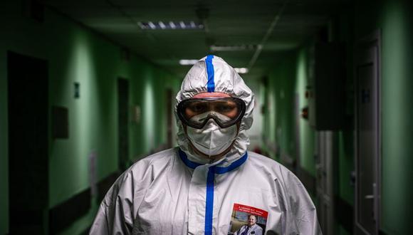 Registro de exceso de muertes en Rusia supera en más de tres veces las cifras oficiales del COVID-19. (Foto: Dimitar DILKOFF / AFP).