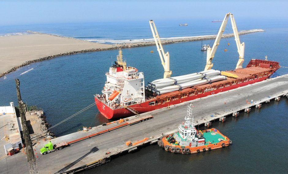 Las torres para ambos parques arribaron al puerto de Salaverry a través de la nave Happy Ranger. (Foto: MTC)