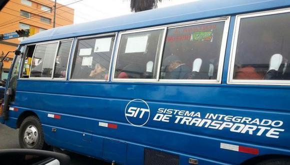 Cústeres pintadas de azul pueden operar en eje Tacna-Arequipa