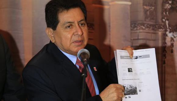José León deberá ir a Comisión de Ética por Caso 'Narcocarbón'