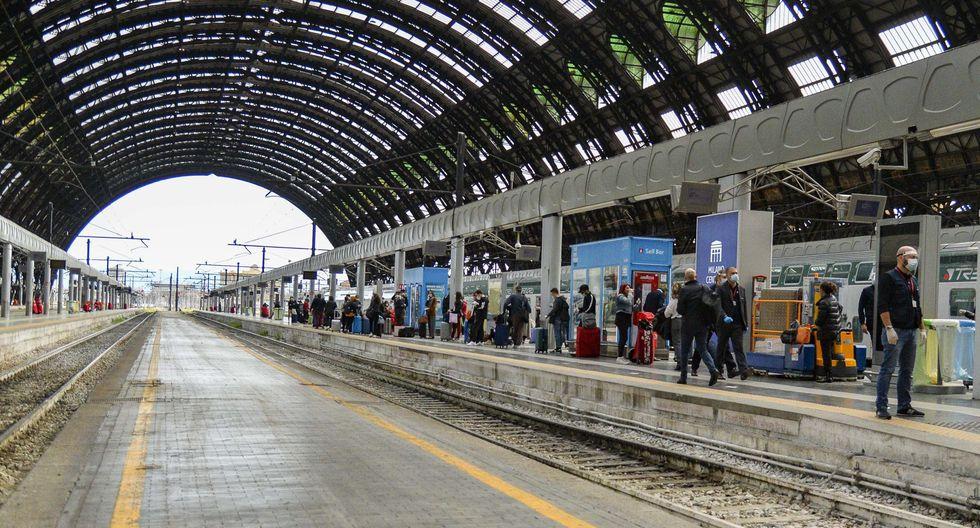 La estación central de Milán durante el inicio del desconfinamiento. (EFE / EPA / ANDREA FASANI).