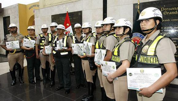 """Policías """"incorruptibles"""" condecorados por rechazar coimas"""