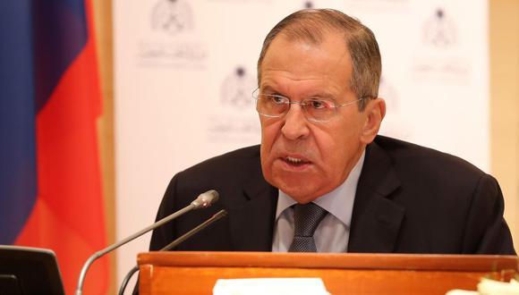 Lavrov expresó su indignación luego de que Pompeo acusara a la mayor petrolera rusa, Rosneft, de violar las sanciones estadounidenses. (Foto: EFE)