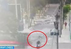 Miraflores: motociclista quedó herido tras ser embestido por bus de transporte público | VIDEO