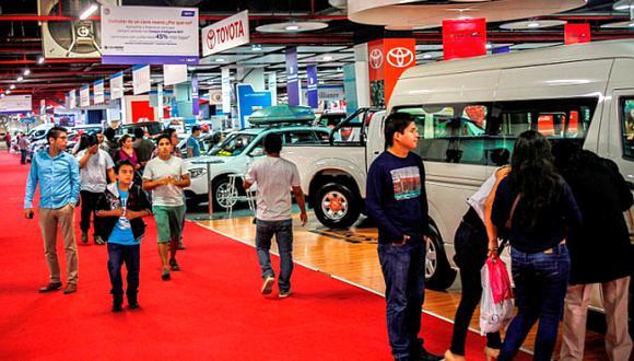 La recuperación de la economía está estimulando la decisión de compra de vehículos en personas y empresas, indicó la Asociación Automotriz del Perú. (Foto: El Comercio)
