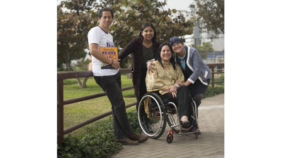 Izquierda: Antonio Orjeda junto a sus mujeres inspiradoras: la bióloga Ruth Quispe, la empresaria Vanessa Vargas y la ex viceministra de Gestión Ambiental del Minam Albina Ruiz.