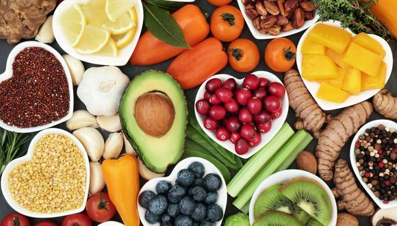 La alimentación debe estar acorde con la edad, sexo, actividad física y estado de salud de la persona.  (Foto: Shutterstock)
