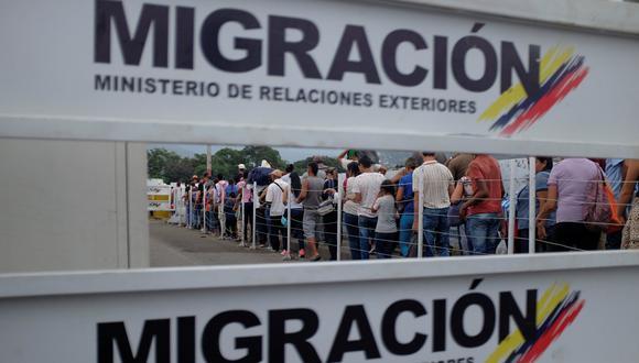 Venezuela pedirá carnet migratorio a colombianos que ingresen a su territorio. (Reuters).