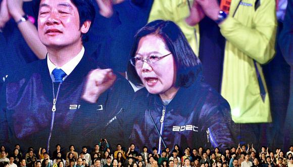 """La presidente de Taiwán, Tsai Ing-Wen, del gobernante Partido Democrático Progresista, durante una manifestación, en Taipei a inicio de año, antes de las elecciones presidenciales y parlamentarias. En discurso de investidura de su segundo mandato presidencial, hecho este miércoles, Tsai dijo que China debe encontrar la manera de """"coexistir"""" con un Taiwán democrático que no aceptará la dominación de las autoridades comunistas. (Sam Yeh / AFP)"""
