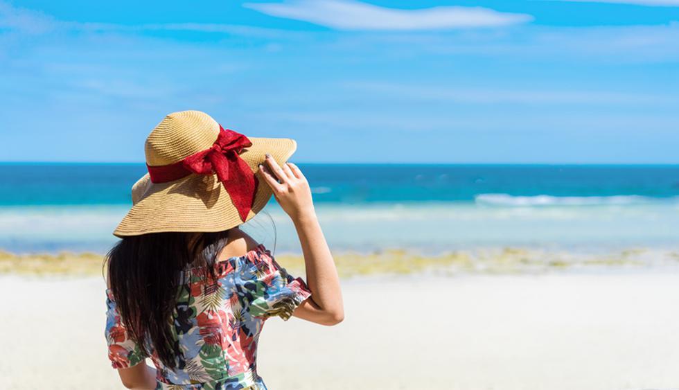 Evita exponerte al sol durante más horas de mayor radiación solar –de 12 a 4 pm-, usa un protector solar antialérgico y no pases mucho tiempo en el mar o la piscina, pues la piel reseca reacciona negativamente ante el agua clorada o contaminada, dice Tincopa. (Foto: Shutterstock)