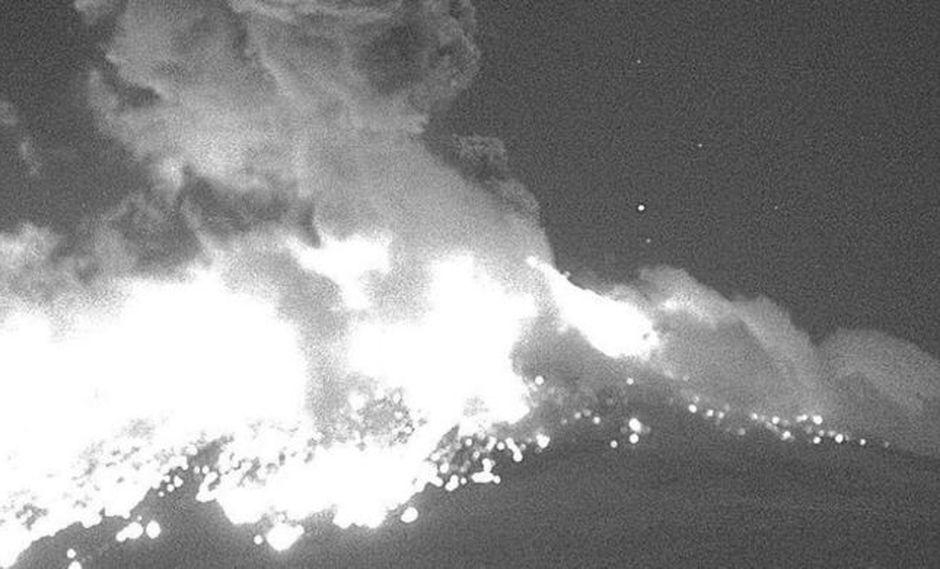 El volcán, ubicado en los estados del sur de Puebla y Morelos, sufrió un aumento de la actividad en las últimas semanas. (Foto: Twitter/@PC_Estatal)