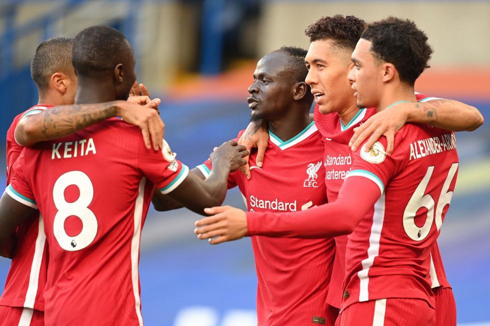 Sadio Mané convirtió un doblete frente al Chelsea