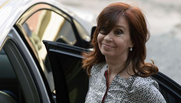 """Cristina Kirchner a juicio oral: ex presidenta de Argentina niega cargos y considera su juicio una """"cortina de humo"""". (AFP)."""