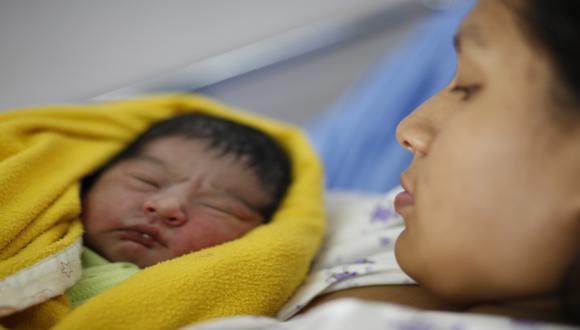 La mortalidad materna mundial se redujo en un 45 por ciento